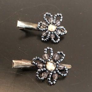Accessories - NWOT Blue Bead Flower Hair Clips